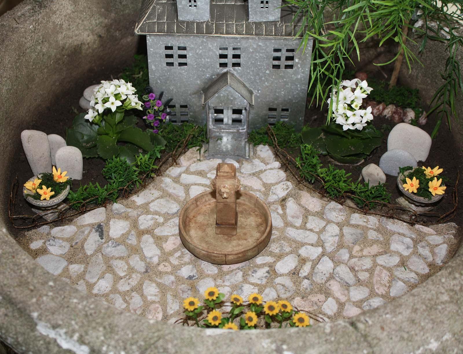 DIY fairy garden – Artificial Garden Plants