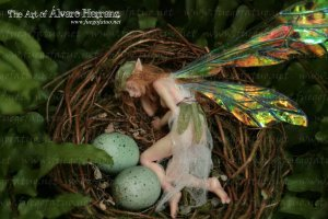 fairy_girl_sleeping_in_a_nest_by_alvarofuegofatuo-d5gbfxp