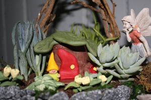 gnome-home-fairy-and-garden