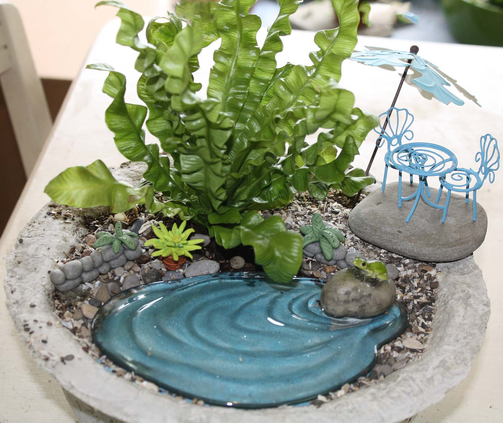 Marthe hook the fairy garden for Artificial pond water